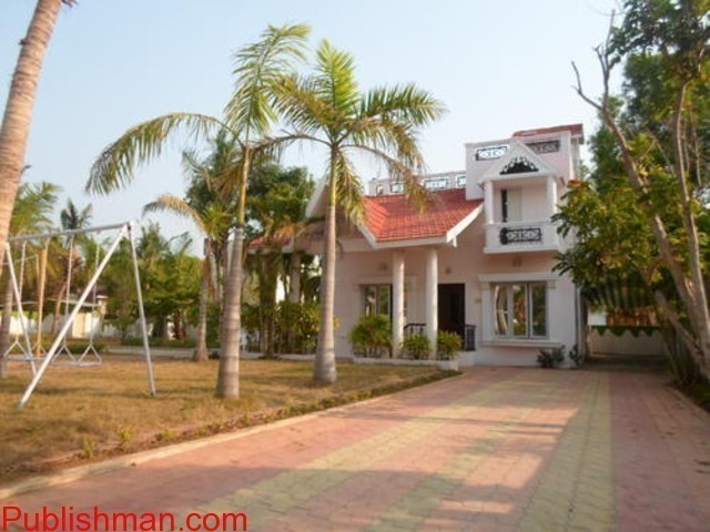 beach house in ecr for daily rent with swimming pool,Lawn,Beach - 2/4