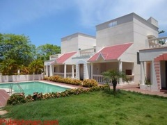 Individual Independent Bungalow with  Swimming Pool, Lawn, Beach..etc - Image 2/4