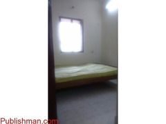 1BHK FLAT FOR RENT.... PREFERABLY FOR BACHELORS - Image 1/4