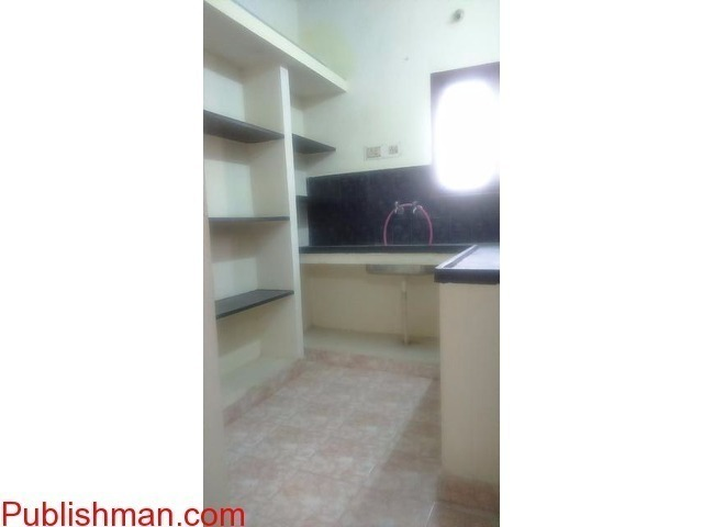 1BHK FLAT FOR RENT.... PREFERABLY FOR BACHELORS - 4/4