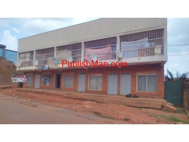 Commercial building for sale - 2/2