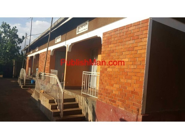 Rental houses at makindye for sale - 1/4