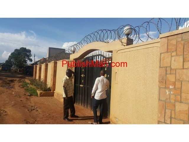 Rental houses at makindye for sale - 3/4