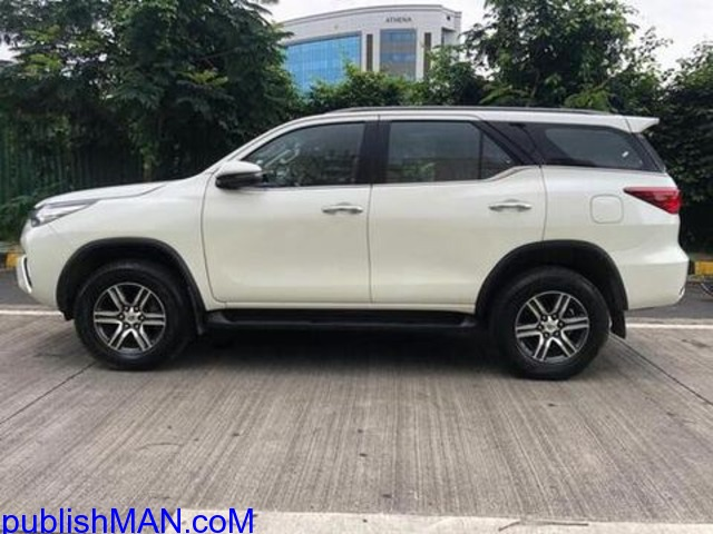 white 2018 Toyota Fortuner 28 4x2 AT 79500 kms driven - 1/4