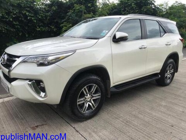 white 2018 Toyota Fortuner 28 4x2 AT 79500 kms driven - 2/4